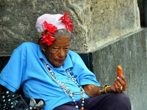 Lady Near Havana Bus Stop Bud Elison Flickr